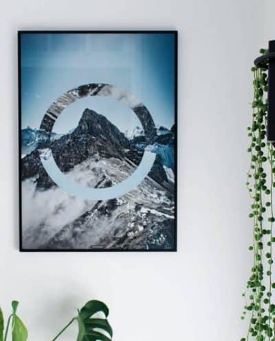 Natur plakat med bjerge og sne - Sky High plakat