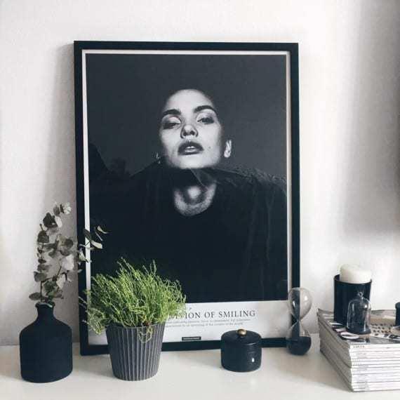 smile-sort-hvid-fotokunst-tekst-plakat