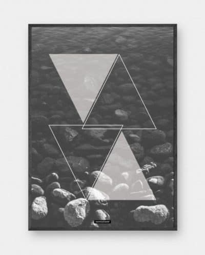 water-triangle-sort-hvid-plakat-570x70