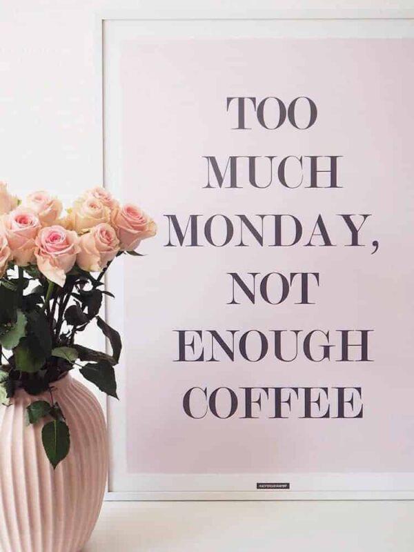 Lyserød tekst plakat med kaffe