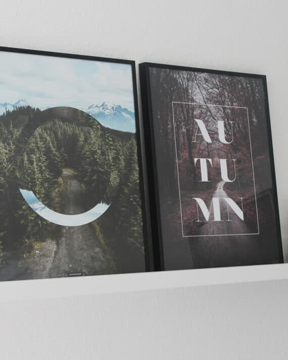 Autumn plakat - Efterår plakat med tekst og rød naturskov