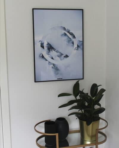 Sky High ii - Natur fotokunst med isbjerge og blå himmel
