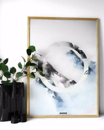 Sky high II plakat - Natur baggrund med bjerge og himmel i massiv egetræ ramme