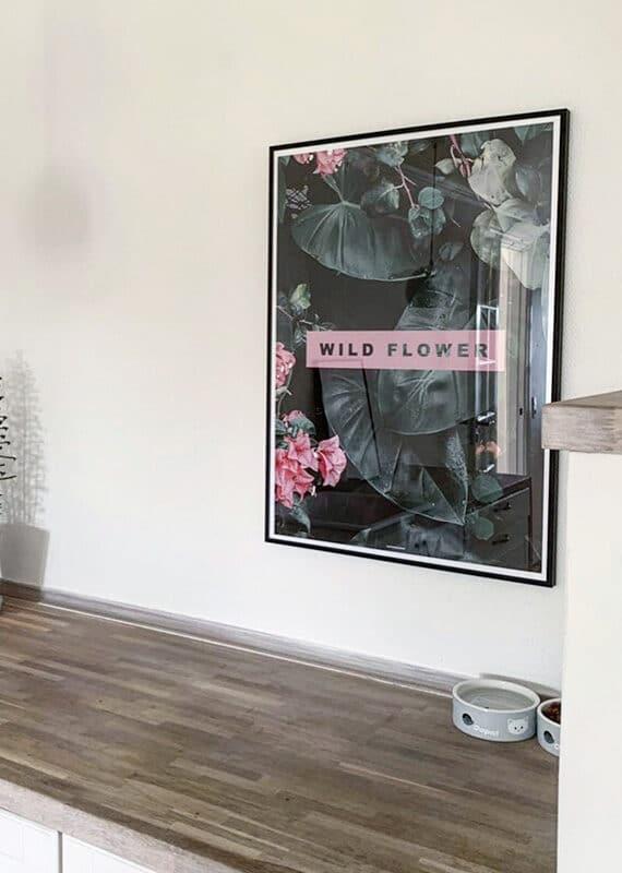 Wild flower plakat i kaffehjørnet i køkkenet