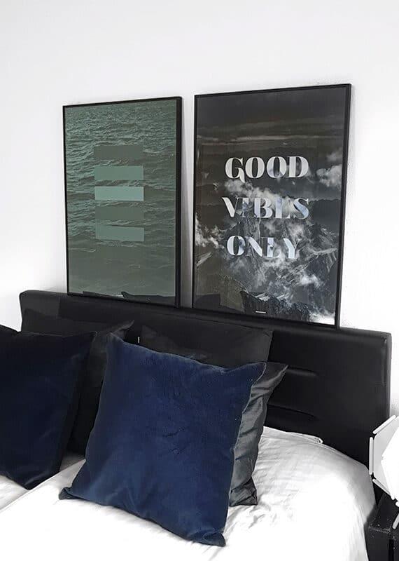 Green Shades og Good Vibes Only plakat i soveværeslet