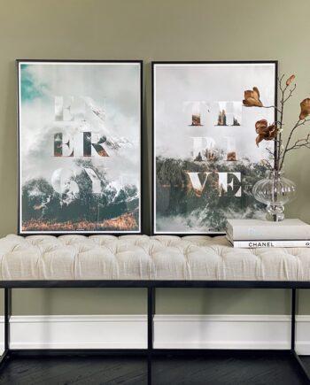 Plakaterne Thrive og Energy i aluminium rammer