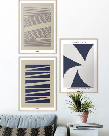 Plakatsæt med blå abstrakte plakater med brun baggrund